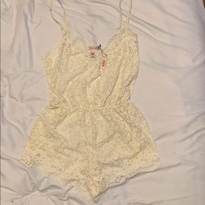 White lace romper NWT! Bridal lingerie